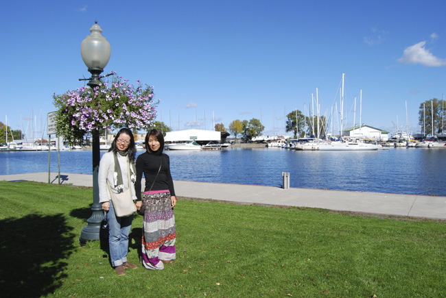 Kagumi Yoshida & Yuka Sunano, Members of the Rotary International GSE Team from Japan